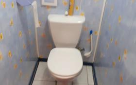 2-комнатная квартира, 54 м², 5/9 этаж помесячно, 5 мкр 12 за 140 000 〒 в Аксае