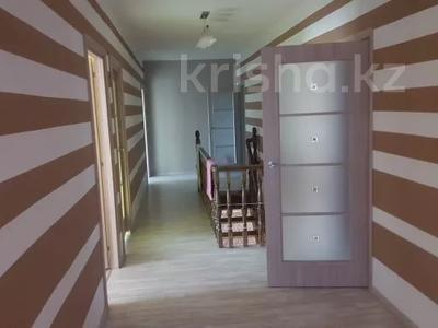 8-комнатный дом, 286 м², 8 сот., Энгельса 51 за 60 млн 〒 в Атырауской обл. — фото 17