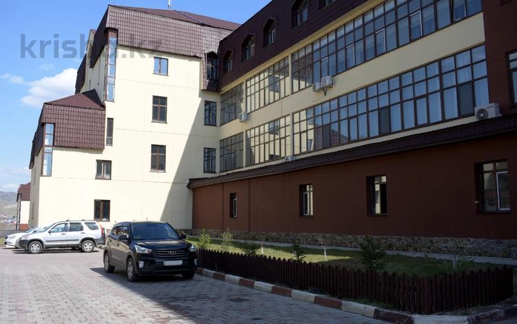 2-комнатная квартира, 99 м², 2/5 этаж, Дружбы народов 2/2 за ~ 27.2 млн 〒 в Усть-Каменогорске