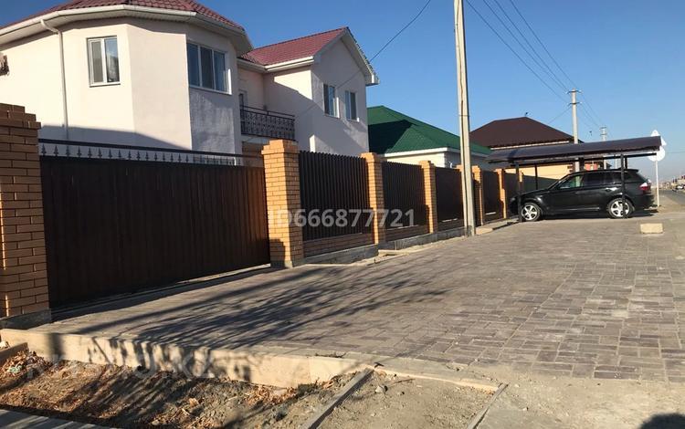 6-комнатный дом, 420 м², 10 сот., Самал за 60 млн 〒 в Атырау