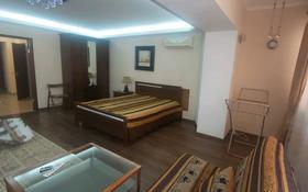 1-комнатная квартира, 60 м², 1/5 этаж помесячно, 4-й мкр 11 за 110 000 〒 в Актау, 4-й мкр