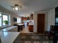 9-комнатный дом, 350 м², 12 сот.