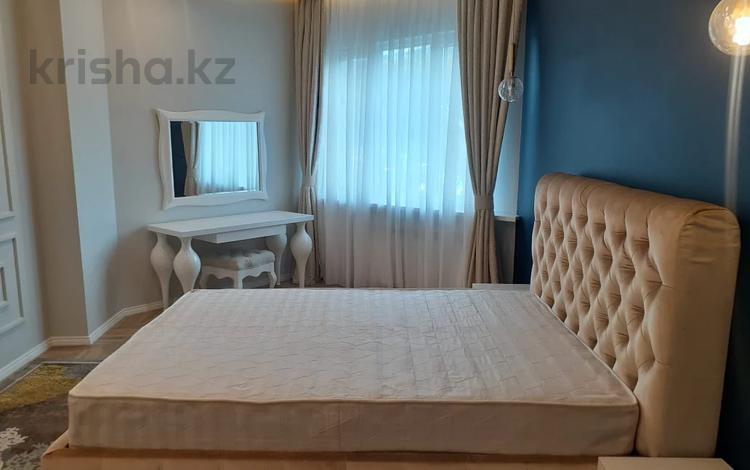4-комнатная квартира, 208 м², 9/15 этаж помесячно, Достык 128 за 700 000 〒 в Алматы, Медеуский р-н