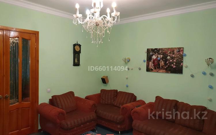 2-комнатная квартира, 60.3 м², 1/2 этаж, Жамбыла 151 за 14 млн 〒 в Караганде, Казыбек би р-н