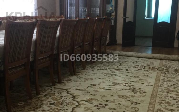 6-комнатный дом, 177 м², 15 сот., мкр Самал-2 за 50 млн 〒 в Шымкенте, Абайский р-н