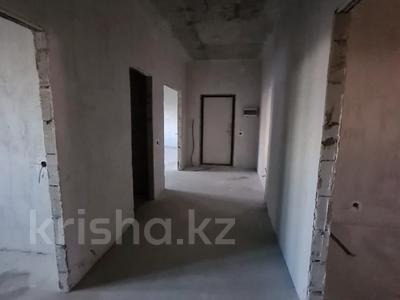 3-комнатная квартира, 102.8 м², 13/18 этаж, Кабанбай-батыра за 31 млн 〒 в Нур-Султане (Астана), Есиль р-н — фото 3
