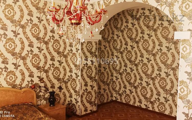 3-комнатная квартира, 72 м², 3/3 этаж помесячно, Азаттык 26а — Гурьевской за 150 000 〒 в Атырау