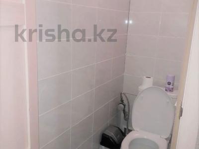2-комнатная квартира, 43 м², 5/5 этаж, Таха Хусейна за 15 млн 〒 в Нур-Султане (Астана), р-н Байконур — фото 8