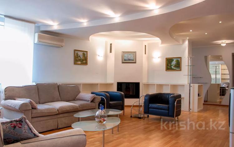 5-комнатная квартира, 230 м², 9/9 этаж помесячно, Шашкина 9А — Аль фараби за 600 000 〒 в Алматы, Бостандыкский р-н