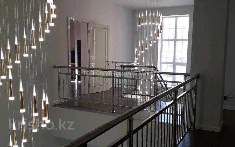 7-комнатный дом, 500 м², 10 сот., мкр Горный Гигант, 5-я улица за 200 млн 〒 в Алматы, Медеуский р-н