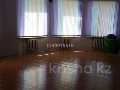Здание, площадью 480 м², 8-й микрорайон — Темиртауская за 65 млн 〒 — фото 15