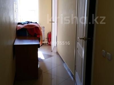Здание, площадью 480 м², 8-й микрорайон — Темиртауская за 65 млн 〒 — фото 23