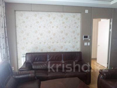 4-комнатная квартира, 140 м², 11/22 этаж помесячно, Байтурсынова за 450 000 〒 в Нур-Султане (Астана)