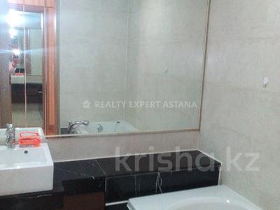 4-комнатная квартира, 140 м², 11/22 этаж помесячно, Байтурсынова за 450 000 〒 в Нур-Султане (Астана) — фото 8