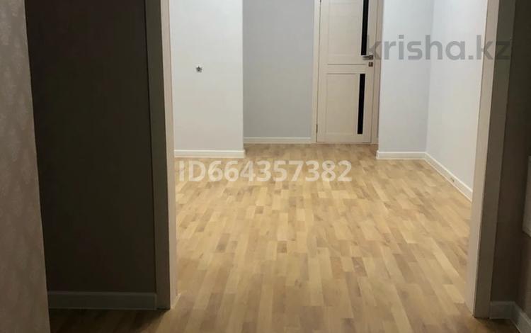 3-комнатная квартира, 96.1 м², 9/16 этаж, Абая 8 за 32 млн 〒 в Нур-Султане (Астана), Сарыарка р-н