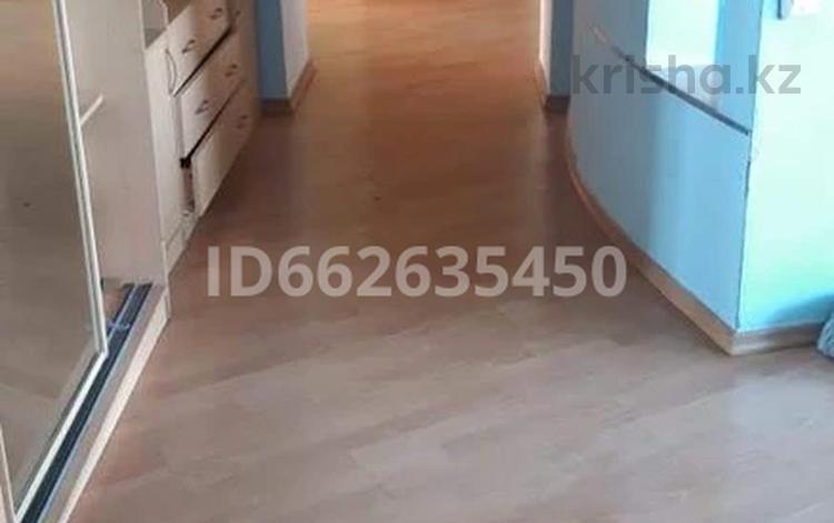 2-комнатная квартира, 90 м², 5/10 этаж, Абылхаир хана 87 за 16 млн 〒 в Актобе