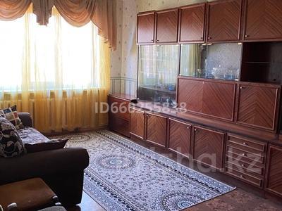 3-комнатная квартира, 65 м², 2/5 этаж помесячно, Авангард-4 12 за 135 000 〒 в Атырау, Авангард-4 — фото 3