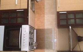 2-комнатная квартира, 70 м², 1/5 этаж посуточно, 12-й мкр, 15 мкр 64 за 8 500 〒 в Актау, 12-й мкр