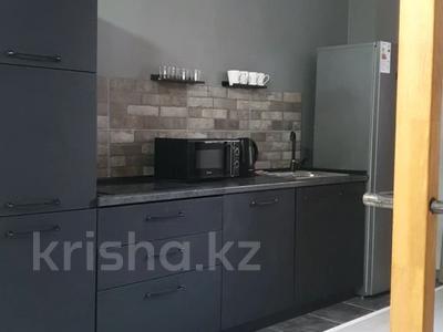 2-комнатная квартира, 59 м², 3/14 этаж посуточно, 17-й мкр 6 за 15 500 〒 в Актау, 17-й мкр