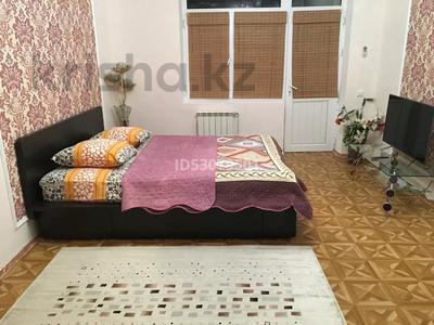 1-комнатная квартира, 59 м², 9/10 этаж посуточно, 27-й мкр 85 за 7 000 〒 в Актау, 27-й мкр — фото 2
