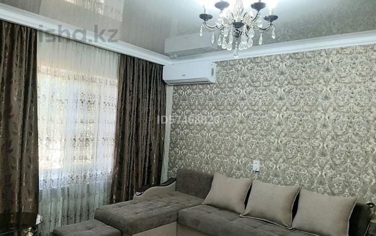 2-комнатная квартира, 69 м², 1/5 этаж посуточно, проспект Абая 161 за 10 000 〒 в Таразе