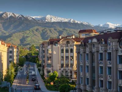 2-комнатная квартира, 75 м², 1/4 этаж, мкр Юбилейный, Омаровой 33 — Достык за 32 млн 〒 в Алматы, Медеуский р-н