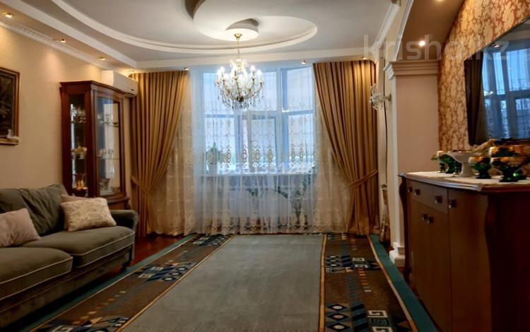 4-комнатная квартира, 130 м², 3/18 этаж, Иманбаевой 11 — Кенесары за 48 млн 〒 в Нур-Султане (Астана), р-н Байконур
