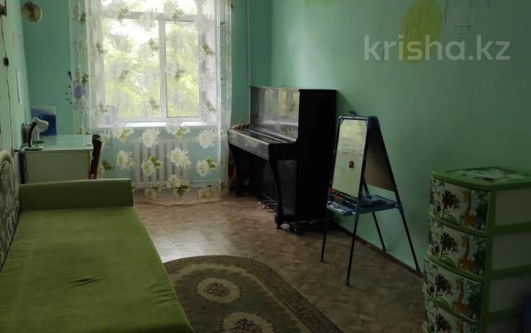 3-комнатная квартира, 78 м², 2/5 этаж, проспект Республики 12 за 9.5 млн 〒 в Темиртау