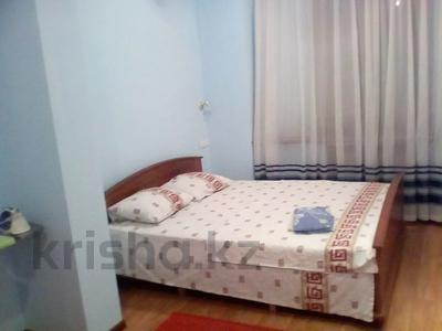 3-комнатная квартира, 100 м², 14/18 этаж посуточно, Сатпаева за 15 000 〒 в Алматы, Бостандыкский р-н — фото 7