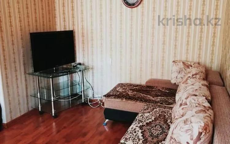 2-комнатная квартира, 44 м², 2/5 этаж посуточно, улица Академика Сатпаева 35 — Лермонтова за 7 000 〒 в Павлодаре