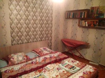 2-комнатная квартира, 58 м², 8/9 этаж по часам, мкр Таугуль-1 72 — Ул.Шалова за 1 000 〒 в Алматы, Ауэзовский р-н — фото 2