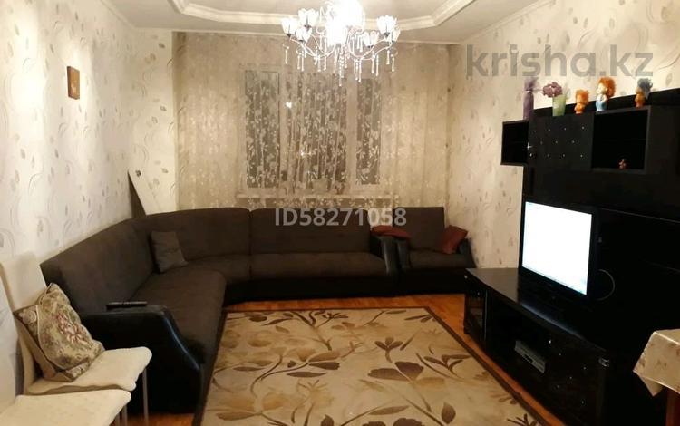 2-комнатная квартира, 75 м², 3/16 этаж посуточно, Иманова 26 за 7 000 〒 в Нур-Султане (Астана), Алматы р-н