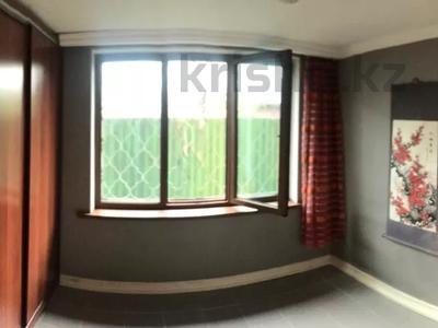 4-комнатная квартира, 132 м², 1/5 этаж, Хаджи Мукана 26 — Мендикулова за 55 млн 〒 в Алматы, Медеуский р-н — фото 7