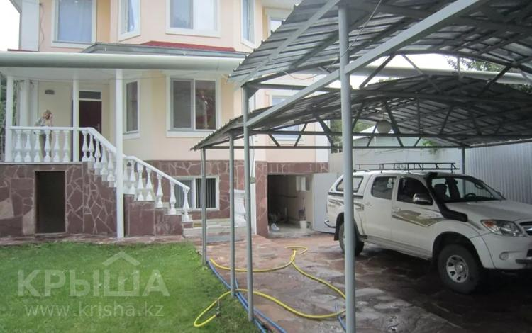 5-комнатный дом, 350 м², 10 сот., Таттимбета за 200 млн 〒 в Алматы, Медеуский р-н