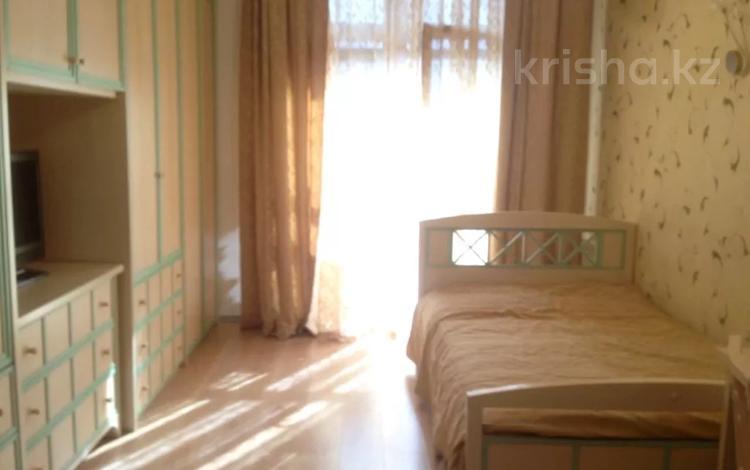 5-комнатная квартира, 200 м² на длительный срок, Санаторная 20 за 1 млн 〒 в Алматы, Бостандыкский р-н