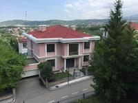5-комнатный дом, 700 м², 9 сот.
