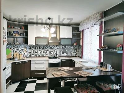 2-комнатная квартира, 55 м², 6/9 этаж посуточно, улица Пермитина 11 за 10 000 〒 в Усть-Каменогорске