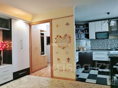 2-комнатная квартира, 55 м², 6/9 этаж посуточно, улица Пермитина 11 за 10 000 〒 в Усть-Каменогорске — фото 12