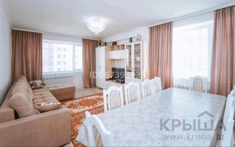 2-комнатная квартира, 67 м², 3/24 этаж, Кайыма Мухамедханова 15 за 28.5 млн 〒 в Нур-Султане (Астане), Есильский р-н