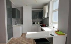 2-комнатная квартира, 60 м² посуточно, Мәңгілік Ел 54 за 15 000 〒 в Нур-Султане (Астана), Есиль р-н