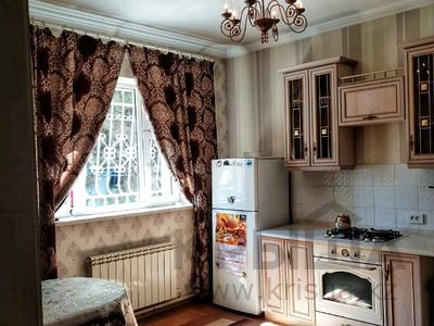 4-комнатный дом помесячно, 250 м², 12 сот., Арычная улица 24 за 750 000 〒 в Алматы, Ауэзовский р-н — фото 18