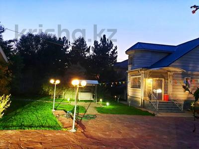 4-комнатный дом помесячно, 250 м², 12 сот., Арычная улица 24 за 750 000 〒 в Алматы, Ауэзовский р-н — фото 6