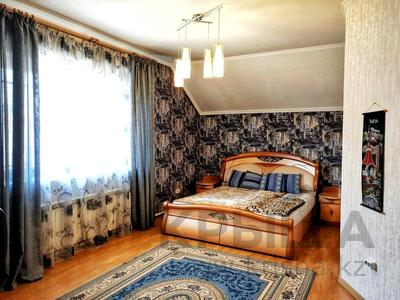 4-комнатный дом помесячно, 250 м², 12 сот., Арычная улица 24 за 750 000 〒 в Алматы, Ауэзовский р-н — фото 16
