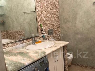 3-комнатная квартира, 135 м², 13/21 этаж помесячно, Каблукова 270/3 за 300 000 〒 в Алматы, Бостандыкский р-н — фото 3