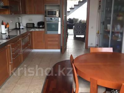 5-комнатная квартира, 250 м² помесячно, Ходжанова 5 — проспект Аль-Фараби за 800 000 〒 в Алматы, Бостандыкский р-н — фото 3