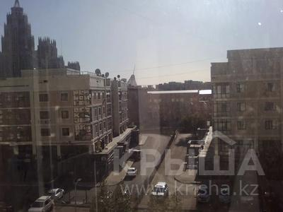 2-комнатная квартира, 70 м², 5/14 этаж, Кабанбай батыра 5/1 за 28.5 млн 〒 в Нур-Султане (Астана), Есиль р-н — фото 11