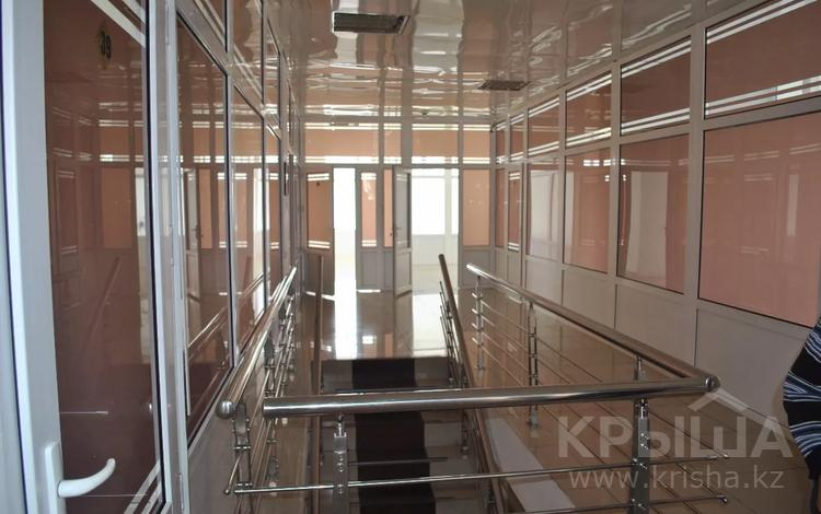 Здание, площадью 1353 м², Ермекова 3/2 за 510 млн 〒 в Караганде, Казыбек би р-н