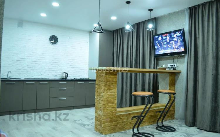 1-комнатная квартира, 45 м², 4/9 этаж посуточно, улица Бокенбай Батыра 131 к 1 за 8 000 〒 в Актобе