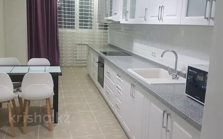 3-комнатная квартира, 109 м², 10/20 этаж, 17-й мкр 5 за 32 млн 〒 в Актау, 17-й мкр