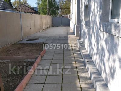5-комнатный дом, 110 м², 8 сот., улица 8 Марта 114 за 30 млн 〒 в Карабулаке — фото 5